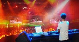 How to read the crowd as a DJ